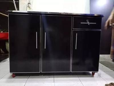 3 door beautiful iron stand . . available in all colours 1