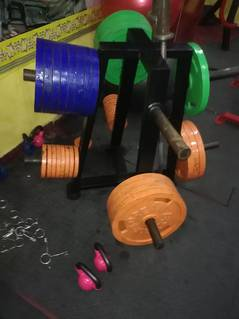 BODYBUILDING GYM AND FITNESS CENTER. 0