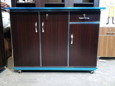 3 door beautiful iron stand . . available in all colours 7