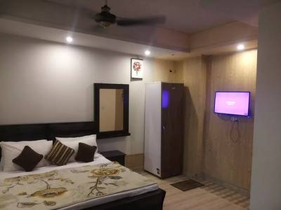 Guest house families short stay 2000 & A C room 3000 & Night 3500 15