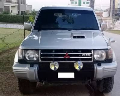 Pajero Automatic 2800 CC Diesel Immaculate Condition 4