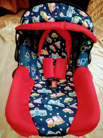 Baby Carry Cot (New) 9