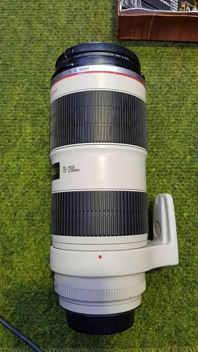 Canon 70-200 f/2.8 L IS II USM (Mint Condition - Scratchless piece) 4