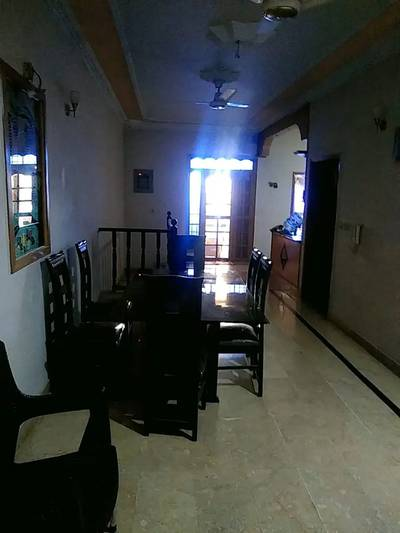 200 sq yards ground with basement 160 sq yards  in jauhar 9
