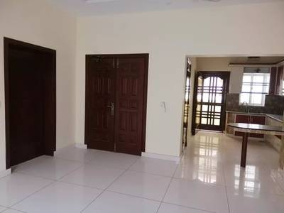 10 marla house upper portion for rent in Modal town 3