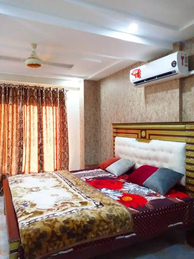 1 Bedroom Full Furnished Flat Per Day Available in Bahria town Lahore 11