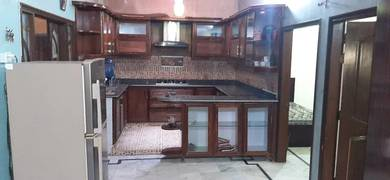 Sharing basics furnished rooms available in a furnished  apartment 0