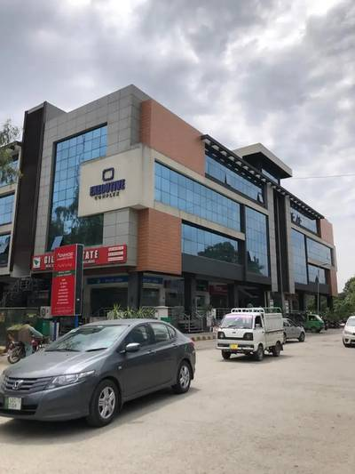 822 Sq. Ft Premium Office Available For Rent 0
