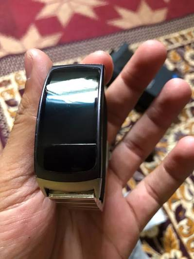 Samsung Gear fit 2 in 100% condition 4