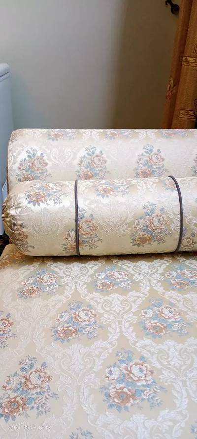4 seater diwan exellent condition just like new 3