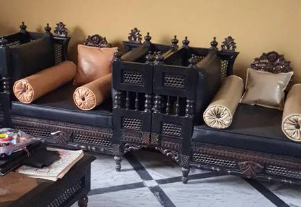 Chinioty sofa set with centre and side tables. 2