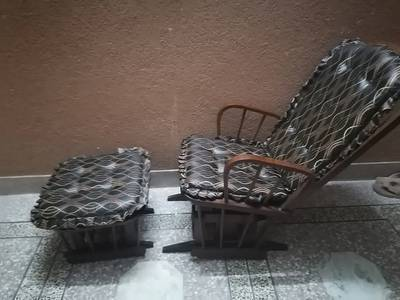 Rocking chair with rocking foot rest in good condition 2
