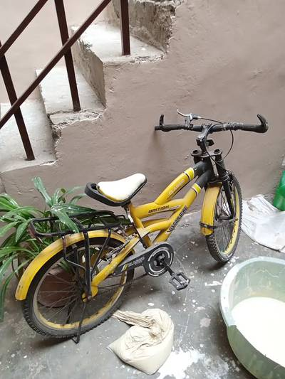 Kids bycycle very less used. 0