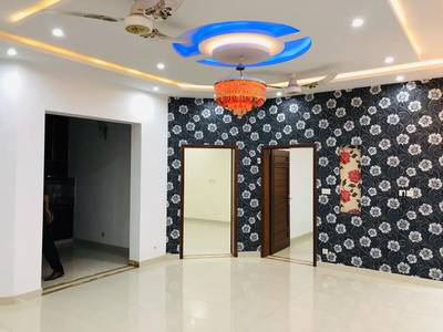 10 Marla New House For Rent in Bahria Town Lahore 1