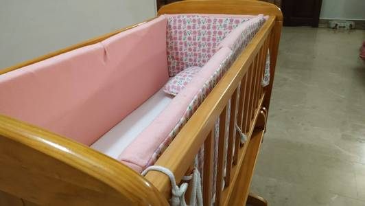 Baby cot crib rocking in mint condition with bedding and mattress 12