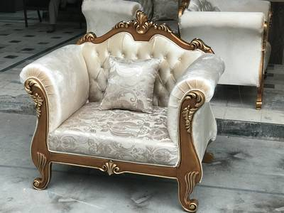 ITALIAN SOFA SET WITH DECO PAINT ART AND QUALITY TOGHTHER WARRANTED 5