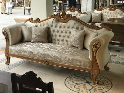 ITALIAN SOFA SET WITH DECO PAINT ART AND QUALITY TOGHTHER WARRANTED 10