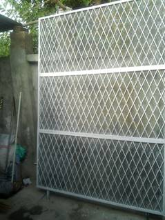 iron grill good condition 0