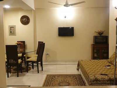 Pakistan Town House For Sale Sized 1 Kanal 10