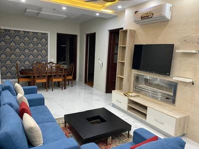 10marla furnished5bed rooms doubel unit house4rent in bahria town rwp 8