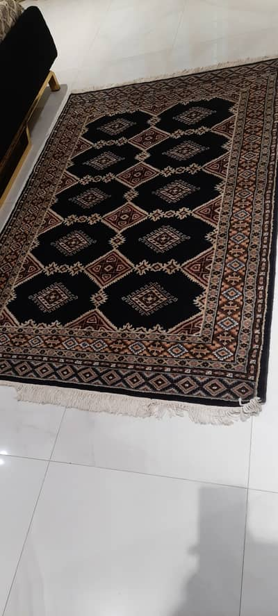 carpet hand made size 6ft by 3ft 2