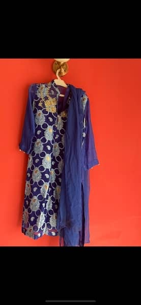 Brand Agha noor. size small 1