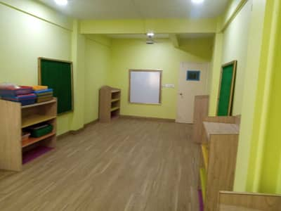 office/Room/working seat available for rent 11