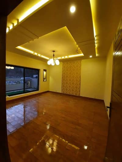 10 Marla Double Storey House for Sale 18