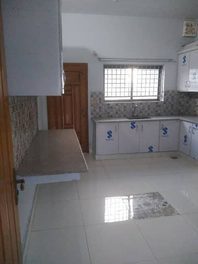 brand new 1st entry house upper porstions 3 beds for rent in ip town 11